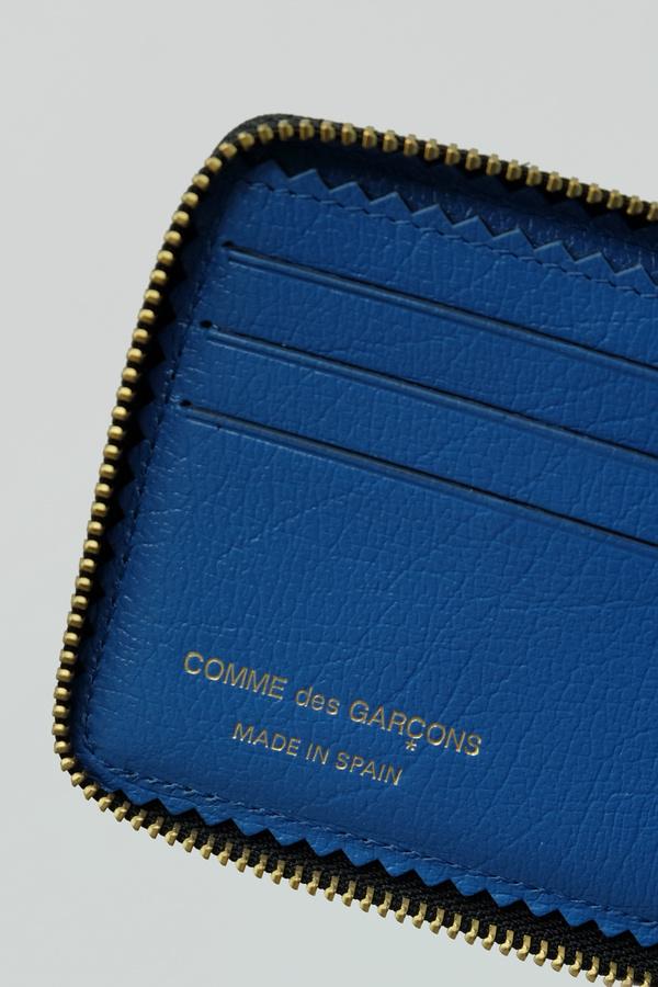 Pebbled Zip Billfold Wallet
