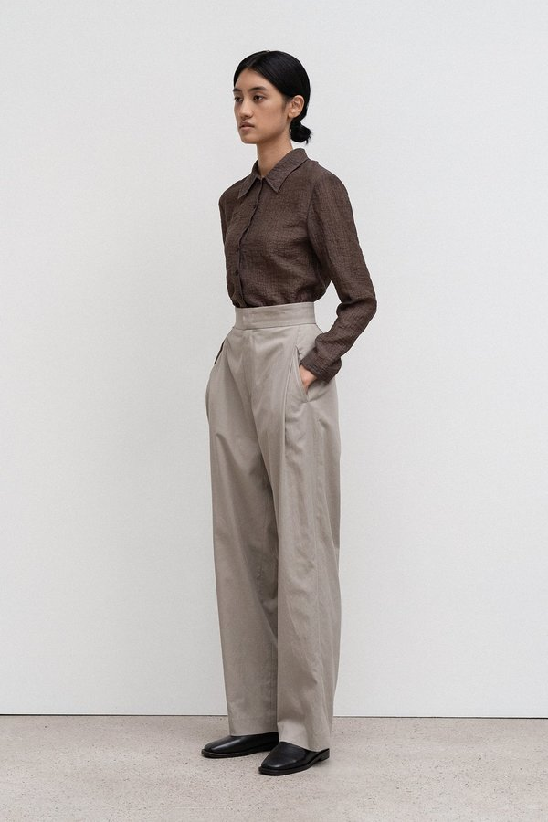 Amomento Wrinkle Belted Shirt - Brown