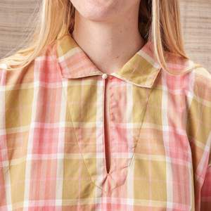 Story Mfg Amber Smock Top in Plant-Dyed Checked Organic Cotton - Pink/Green