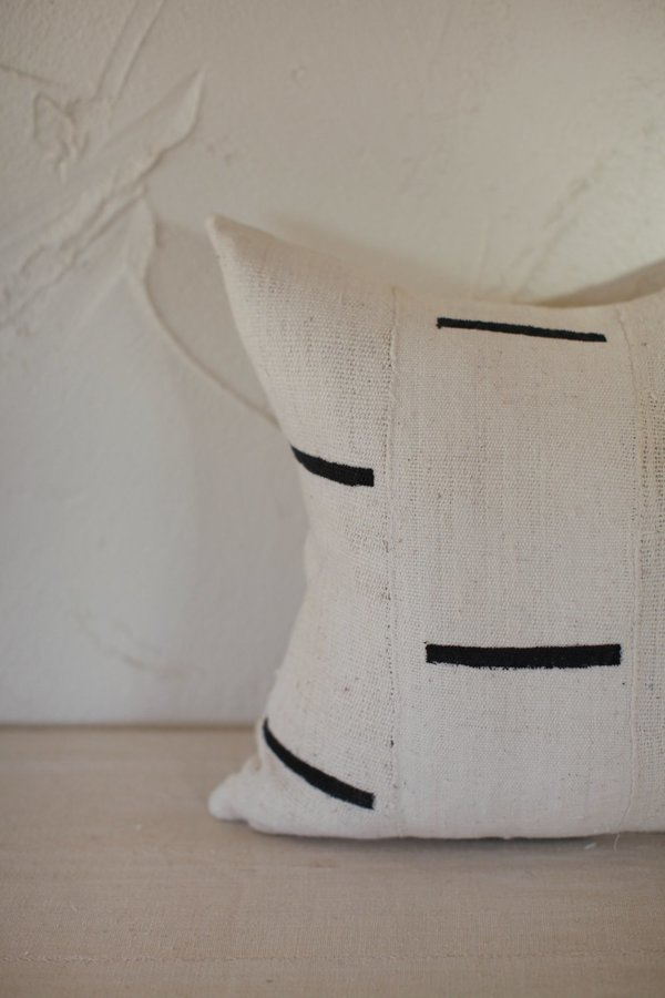 nomad collective Modern Mudcloth Pillow - cream