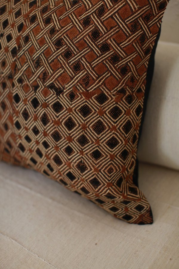 nomad collective Kuba Cloth Pillow - brown/black/natural
