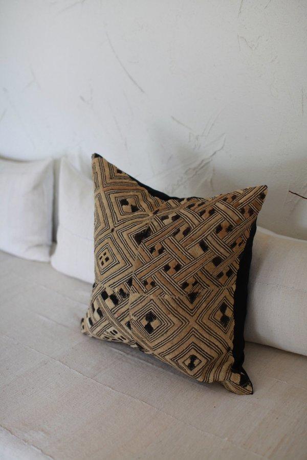 nomad collective Kuba Cloth Pillow - natural/black/brown