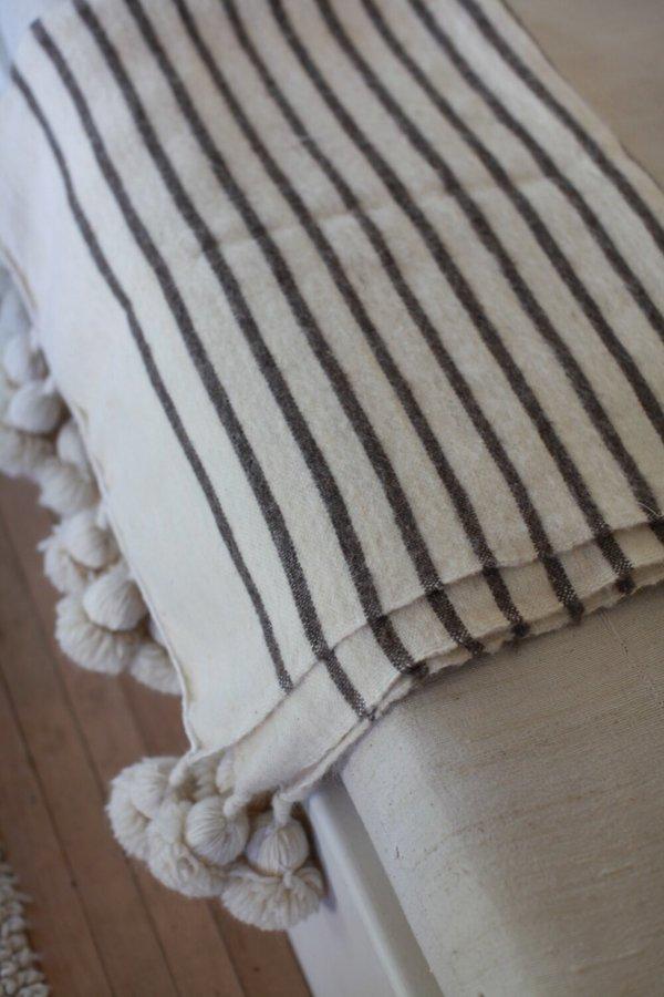 nomad collective Moroccan Pom Pom Blanket - cream
