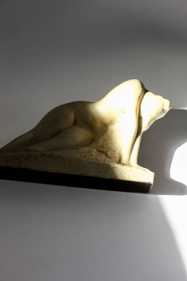 Leigh Collective Lady in Waiting Sculpture