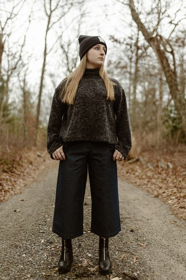 Ena Mock Neck Cropped Wide Sleeve Sweater - Grey - OS