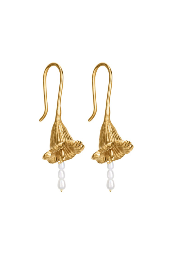Morning glory pearl earrings