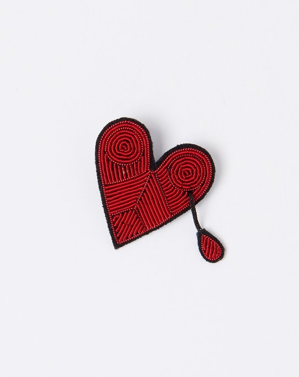 Macon Et Lesquoy Bleeding Heart Pin