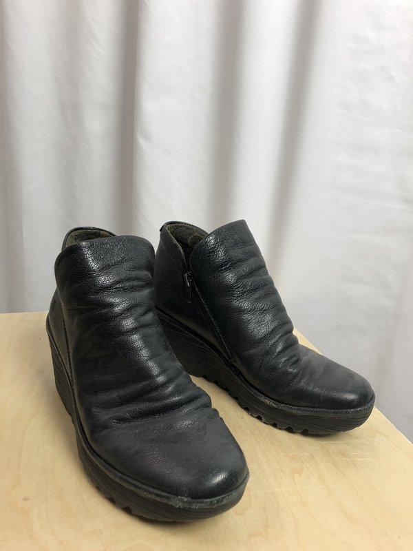 Fly London Black Ankle Booties (8/38)