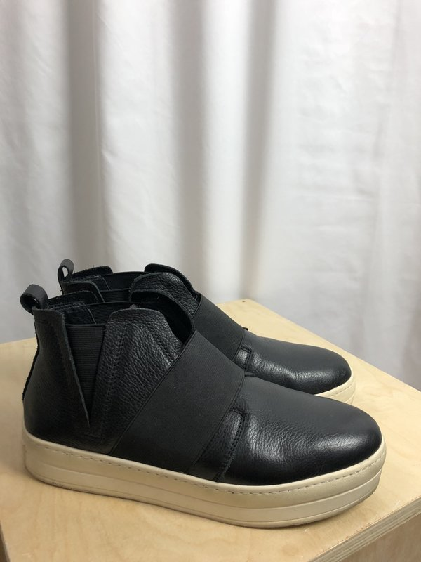 [Pre-loved] JSlides High Top Leather Tennies - Black