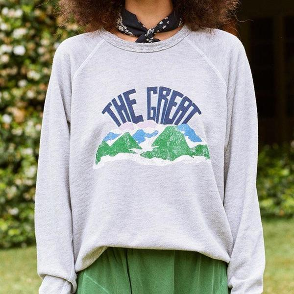 The Great. The College Mountain Sweatshirt - Light Grey