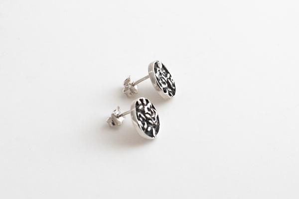 Black Daisies Romantic Dreams Earrings - Sterling Silver
