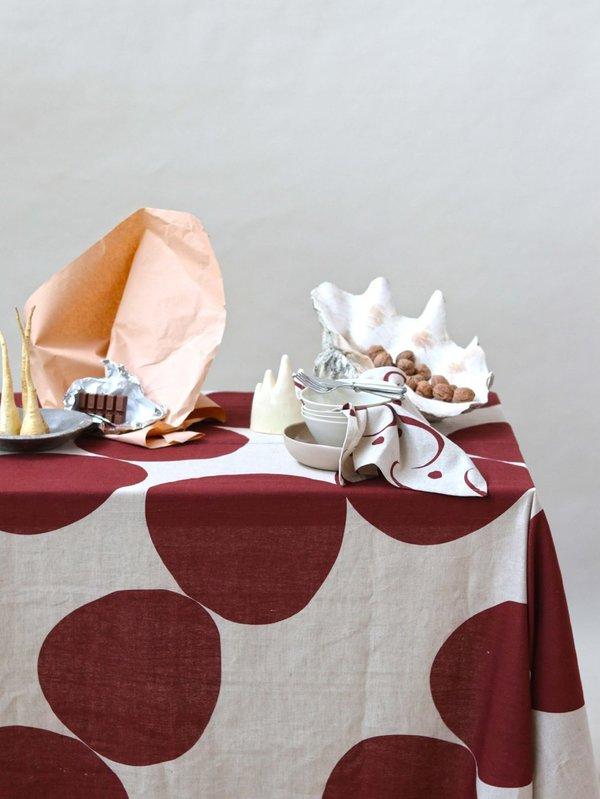 Mosey Me Pebble Tablecloth - Wine