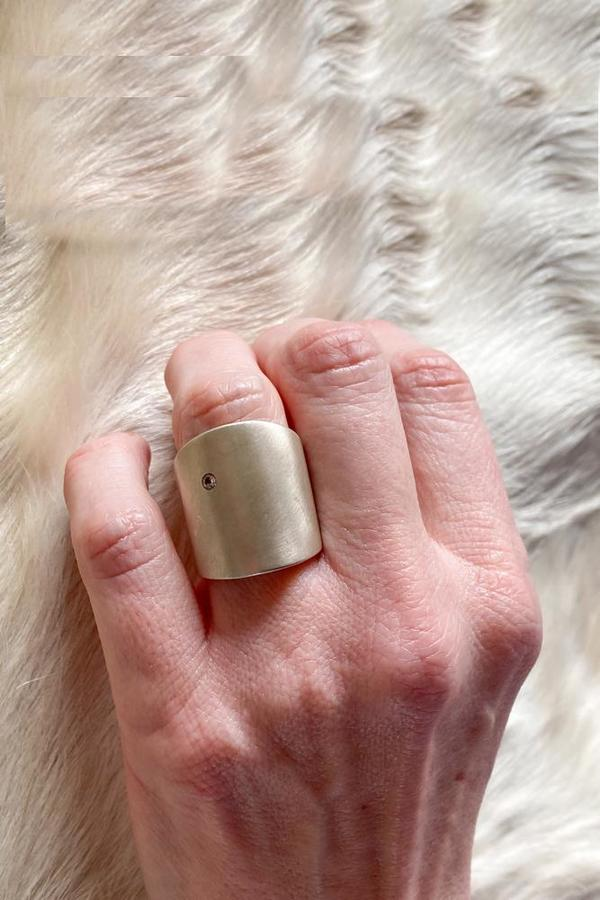 April Higashi Cuba Flat ring with white sapphire - Sterling Silver