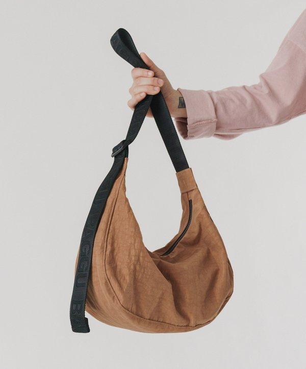 Baggu-Medium Nylon Crescent Bag // Sienna