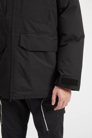 40230 Ripstop Gore-Tex Down Jacket - Black