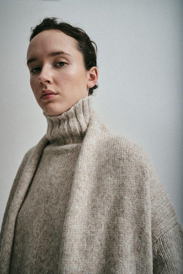 Highcollar Sweater