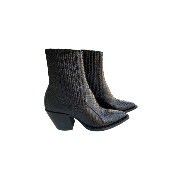 Farm Stand Out of Comfort Maria Boot - Black