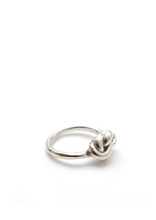 Knot Ring // Sterling Silver // Size 8