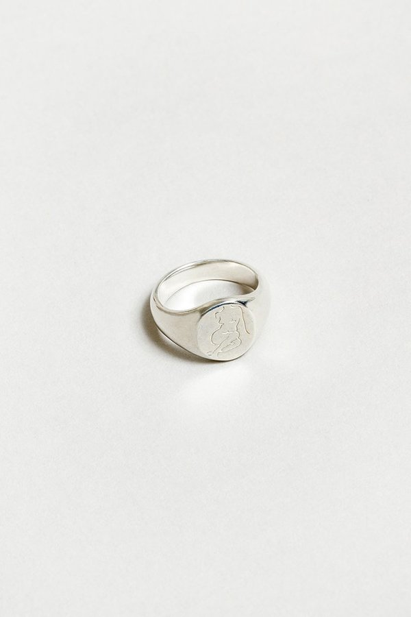 Wolf Circus Femme Signent Ring - Silver