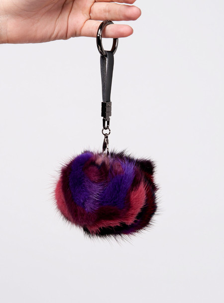 Series Noir Susie Mink Keychain