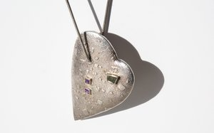 Kindred Black That Mighty Heart is Lying Still necklace - silver