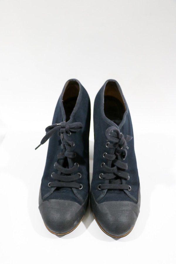 [Pre-loved] Dries Van Noten Cap Toe Lace Up Shoes