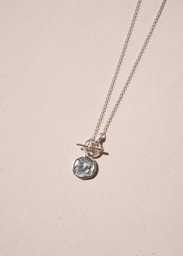 Iris Necklace in Silver