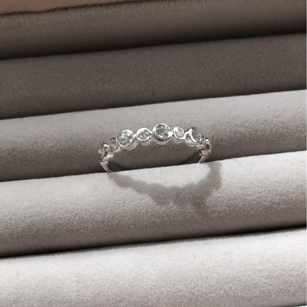 Gauhar Bezel Ring - White Diamond