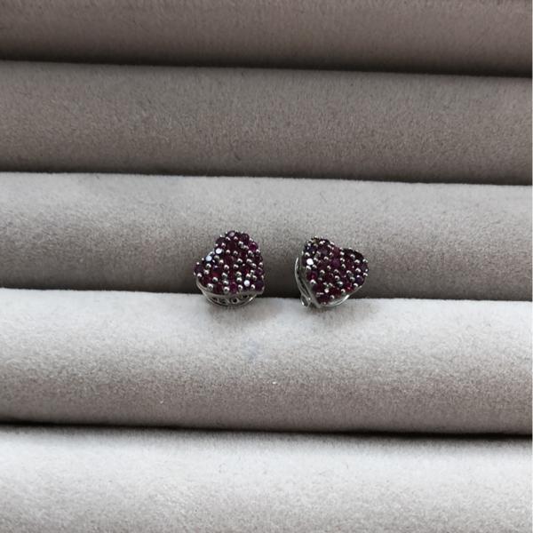 Gauhar Heart Studs Earrings - 18K White Gold