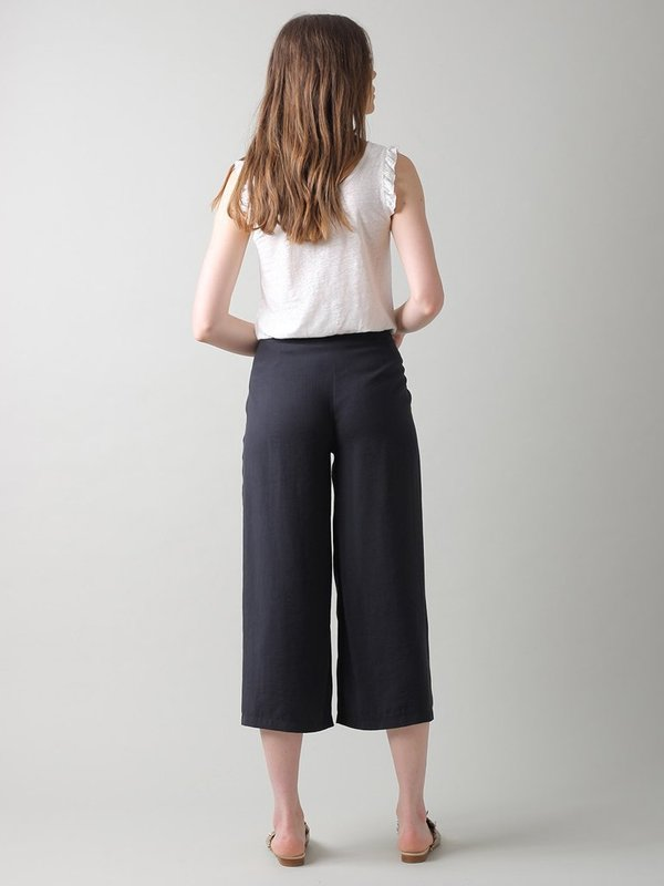 Indi & Cold Crop Trousers - Washed Black