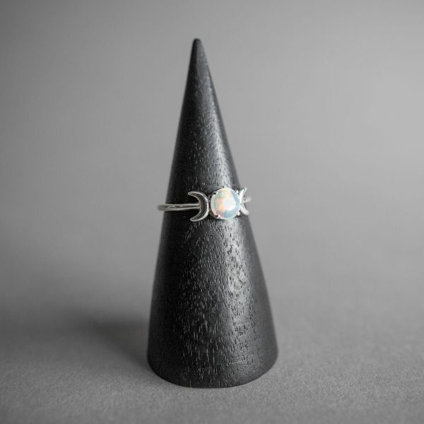 Glowing Darkness Ring