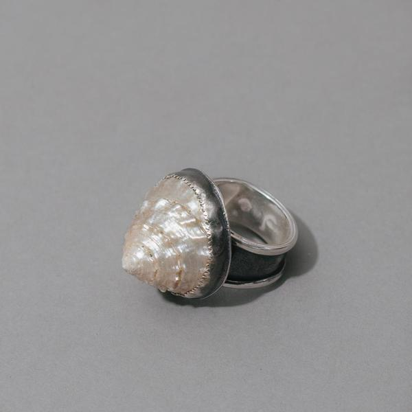 Pearl Top Shell Super Tall Ring
