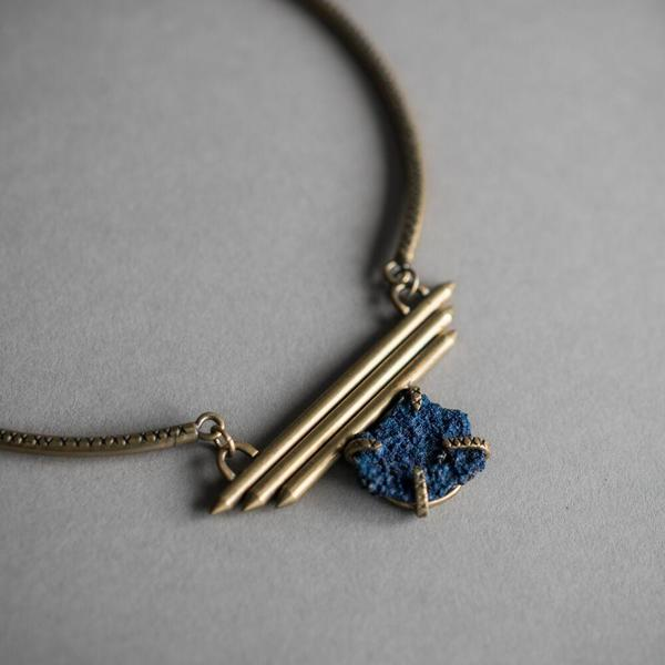 Raw Azurite + Vaeloria Choker with 3 Bars