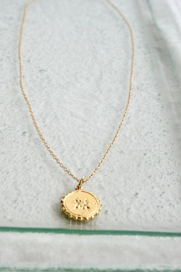 Simple Scatter Necklace / Gold