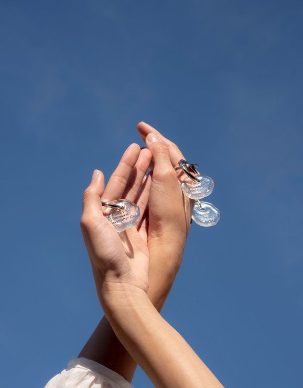 Cled Inhale. Exhale Messenger Keyring - Clear Air
