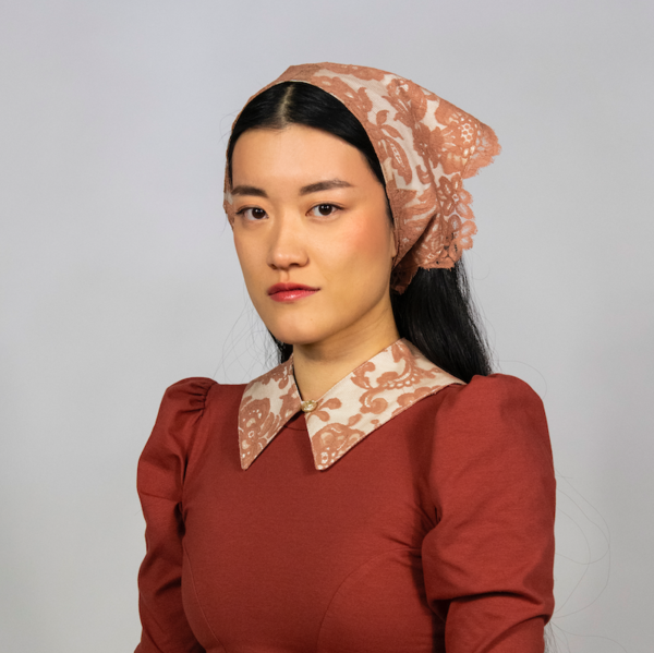 Rightful Owner Antique Lace Micro Collar