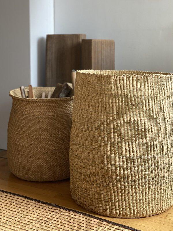 TWENTY ONE TONNES Textured basket - olive