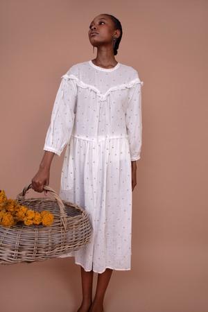 Meadows Camellia Dress - White/Daisy Embroidery