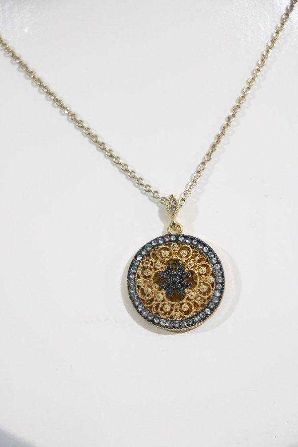 Vintage Pendant Necklace - Gold