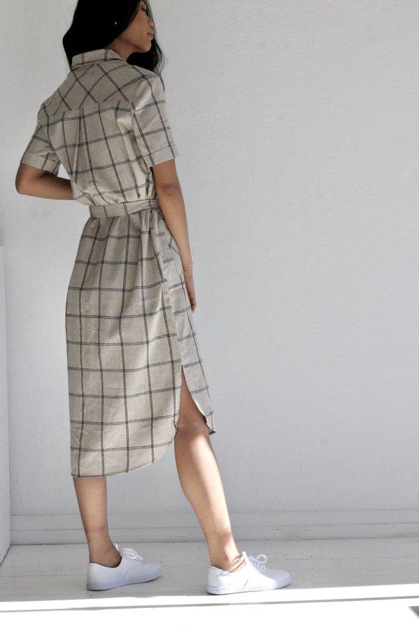 No Less Than The Clara Dress - beige/black/blue