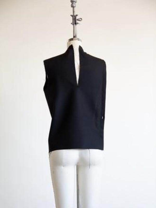 Demmy Asymmetrical Side Slit Top - Black