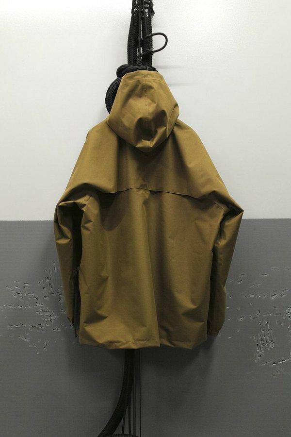 STYLE # Eco Oil Gore-Tex Drwn Off Raincoat - green