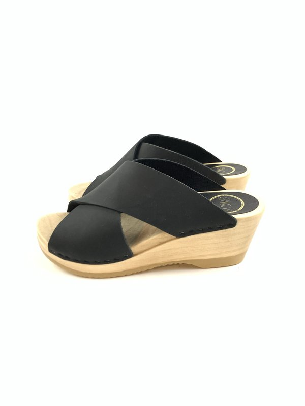 No.6 Frida Clog on Mid Wedge - Midnight