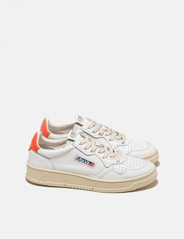 Autry Medalist LL24 Leather Trainers shoes - White