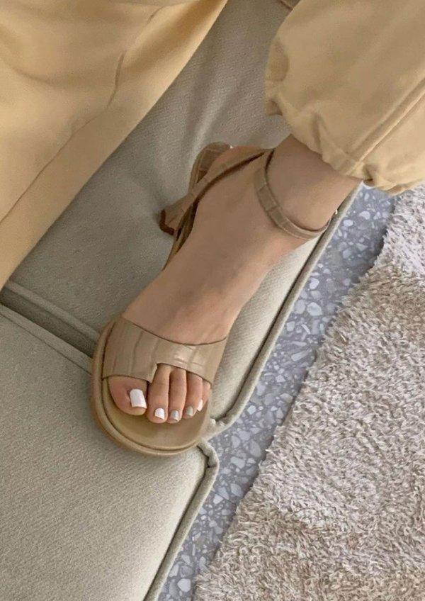 W A N T S Noa Sandals