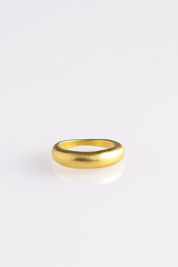 TRADE RING IN GOLD