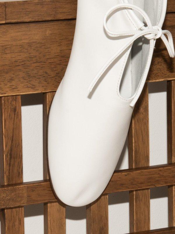 blush. Tulipe Flats - Bianco