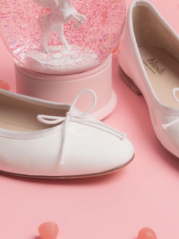 blush. Flat - Pearl
