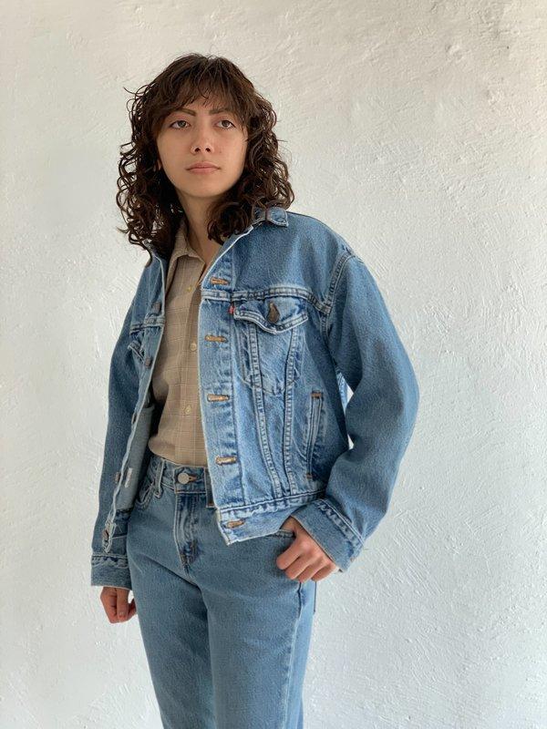 Vintage Medium Light Wash Levi's Jacket - blue