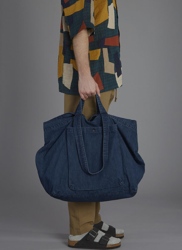 SLOUCHY TOTE IN MIDNIGHT BLUE WASHED DENIM